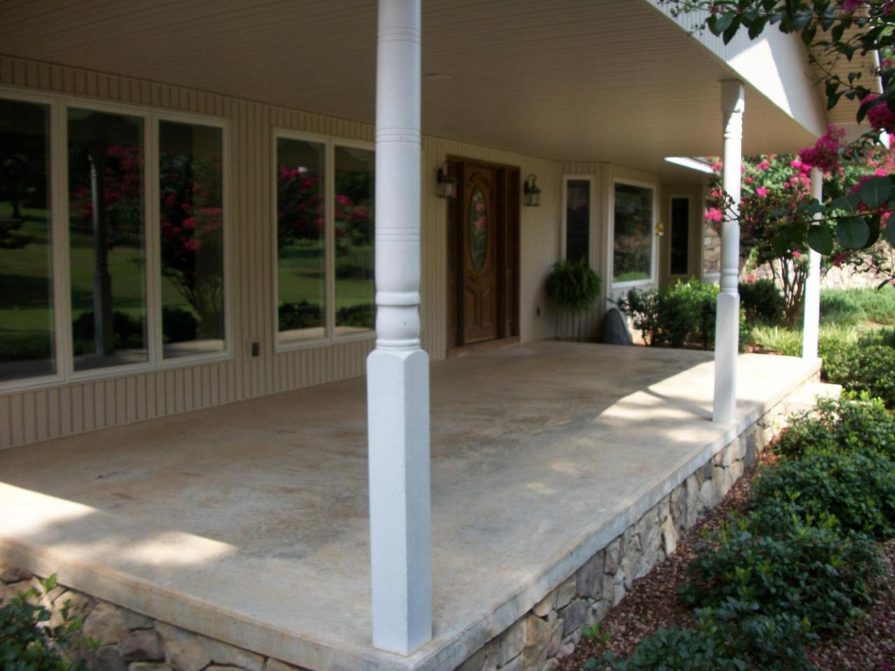 Screened In Porch On Concrete Slab