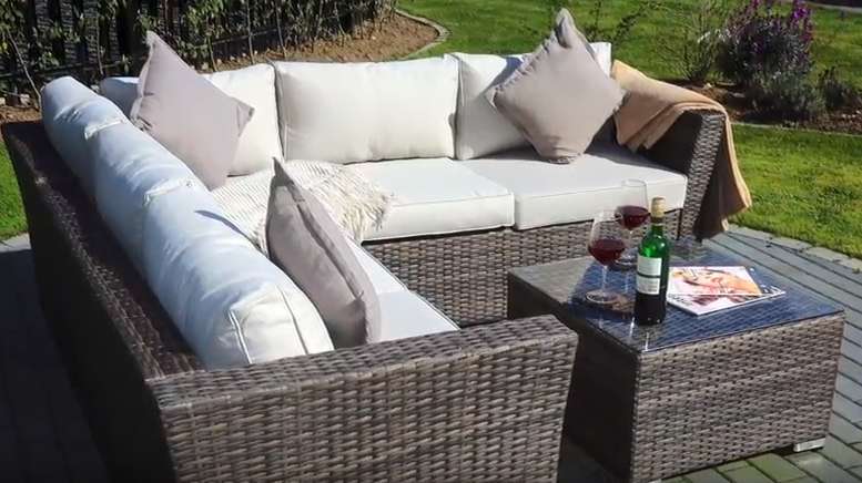 Are You Looking For Some New Patio Furniture Would Like Something That Can Hold Up Well To Exposure The Elements Especially Rain